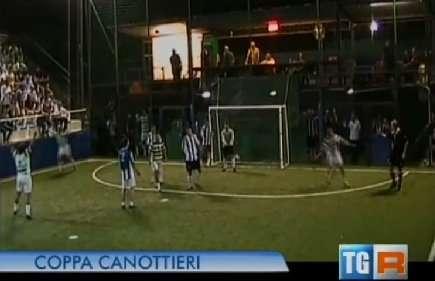 Fermo immagine del servizio del TG3 dedicato alla Coppa Canottieri 2014