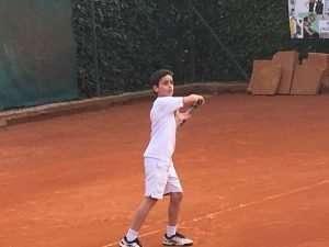 Il tennista under 12 Niccolò Cataldo del Circolo Canottieri Lazio
