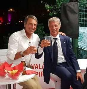 Il Presidente del Circolo Canottieri Lazio Paolo Sbordoni brinda con il Presidente del Circolo Canottieri Roma Massimo Veneziano