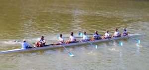 Circolo Canottieri Lazio in acqua sul Tevere