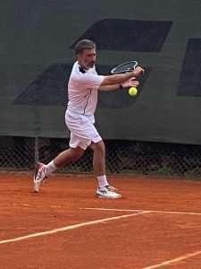 Cristian Cantagalli impegnato nel torneo di serie c di Tennis con il Circolo Canottieri Lazio